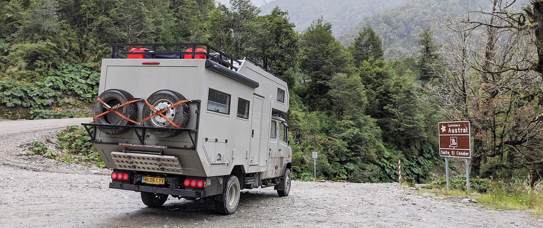 Véhicule d'expédition Mercedes Vario avec amortisseurs renforcés