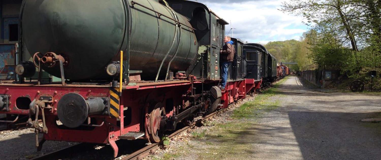 Amortisseurs renforcés pour les véhicules ferroviaires